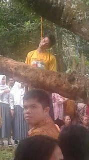Warga OI Gantung Diri di Pohon Cempedak