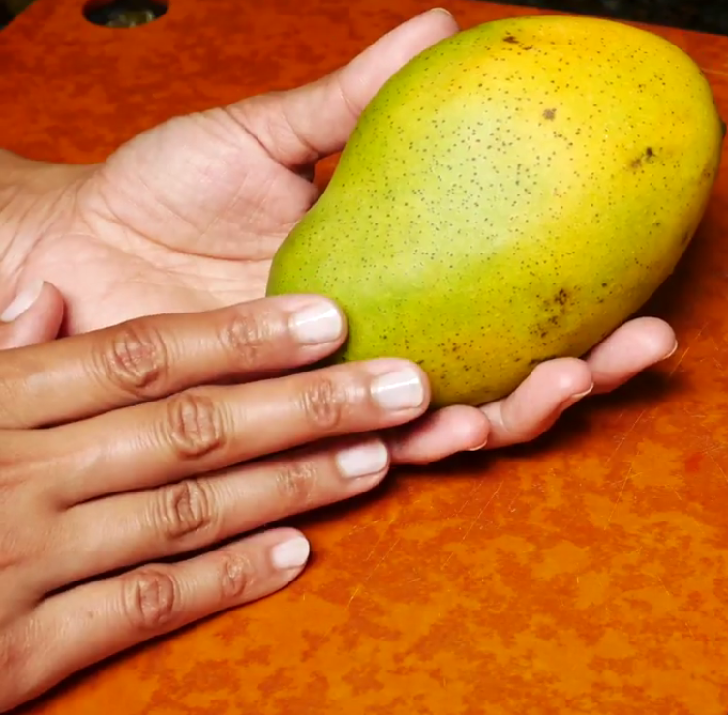 17 Health Benefits of Mangoes