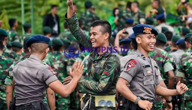 HORE.. UANG LAUK PAUK TNI DAN POLRI NAIK, BAGAIMANA DENGAN PNS ?