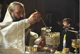 ΑΝΑΣΤΑΣΗ ΣΤΗΝ ΚΑΤΕΡΙΝΗ. Με λαμπρότητα εορτάστηκε η Ανάσταση του Χριστού στην Κατερίνη.