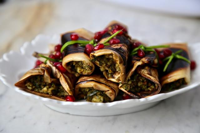 Georgian rolls (Nigvziani Badrijani)