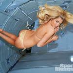Nueva Sesión De Kate Upton Para Sports Illustrated ¡Ahora a Gravedad Cero! Foto 11