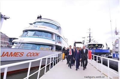 Foto Jokowi Ketika Blusukan di Belanda