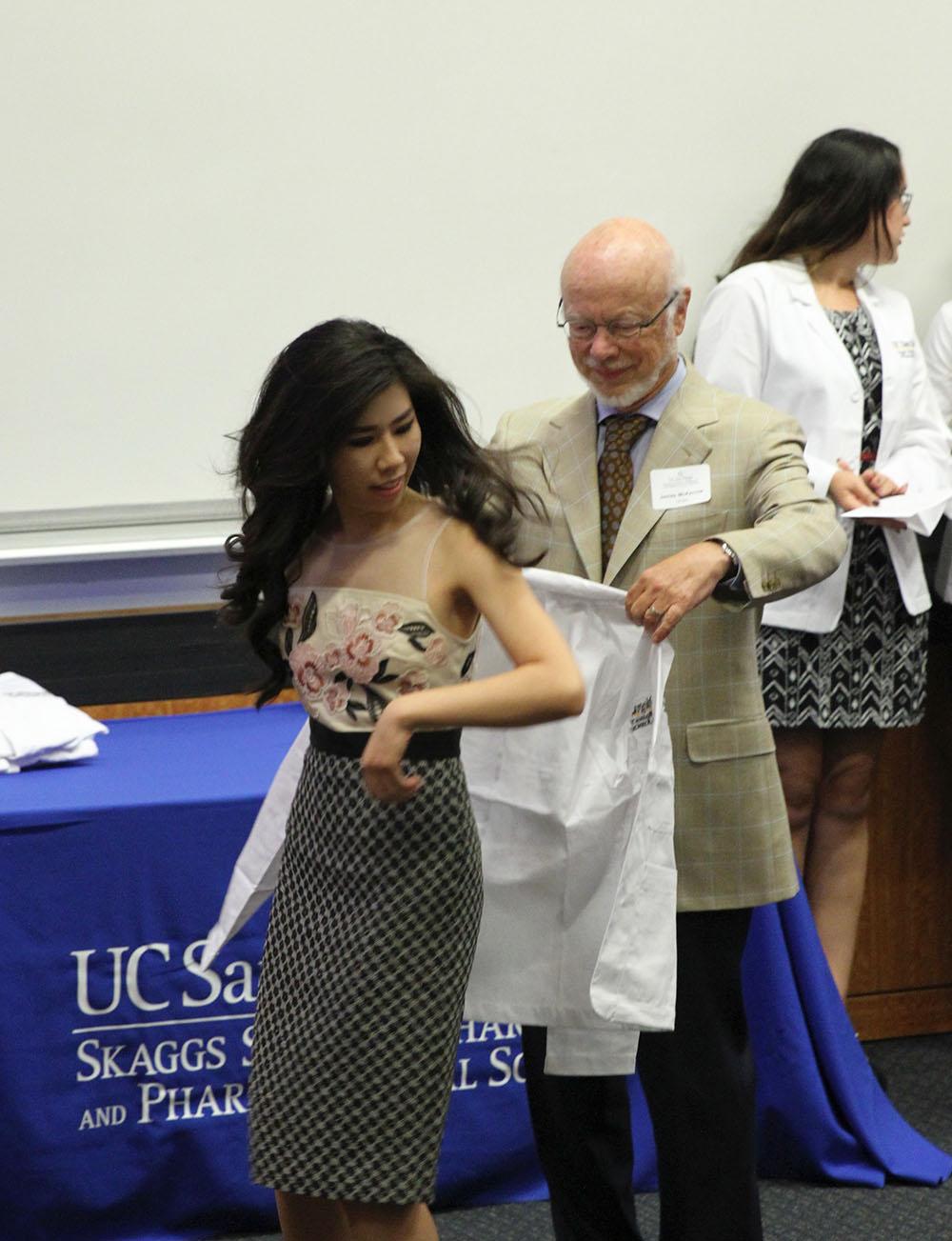 white coat ceremony_UCSD skaggs school of pharmacy_health professional_Student Pharmacist_Pharmacist Blogger_Pharmacy Student_UCSD_california pharmacy student_medical student_dental student_adrienne nguyen