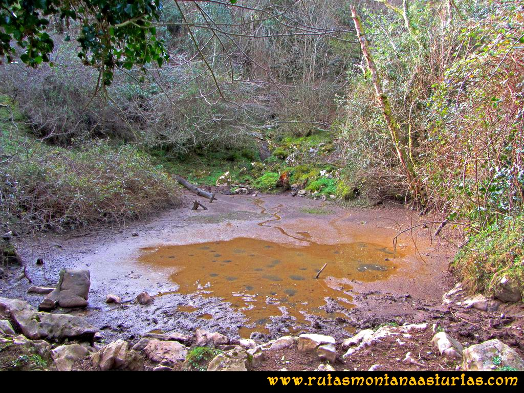 Ruta Montaña al Pienzu: Laguna Calderón en el camino al Pienzu