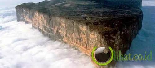 Mount Roraima, Venezuela, Brazil and Guyan