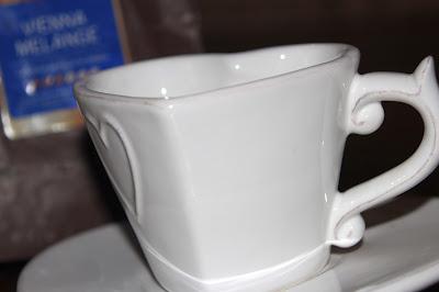 filiżanka,kubek, kawa, talerz, talerzyk, tchibo