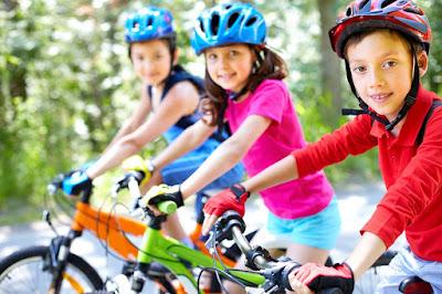 Transporte de niños en bicicleta: tome precauciones para evitar accidentes