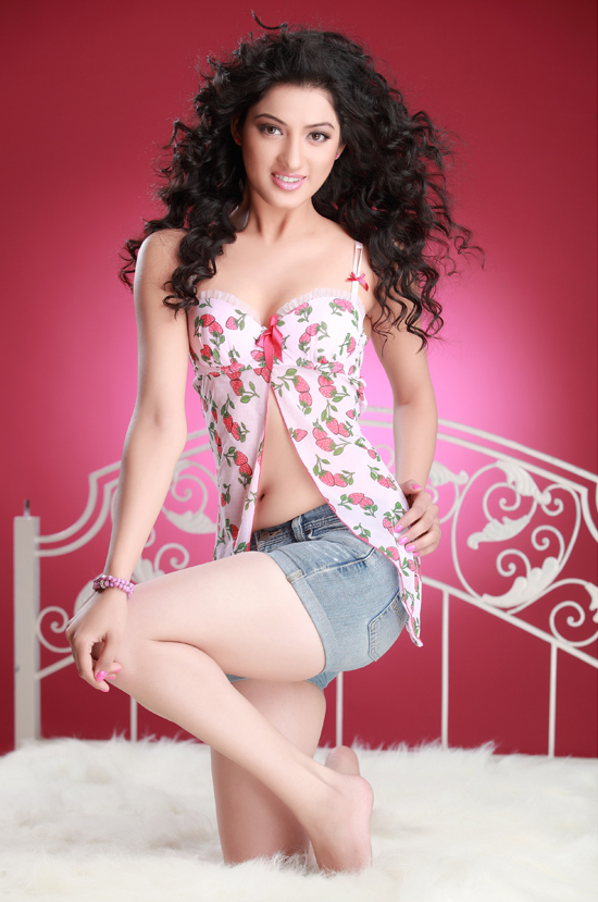 gorgeous hot Richa panai latest portfolio hot stills