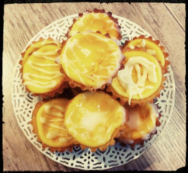kruche babeczki z serem babeczki serowe ciasteczka kruche ciastka