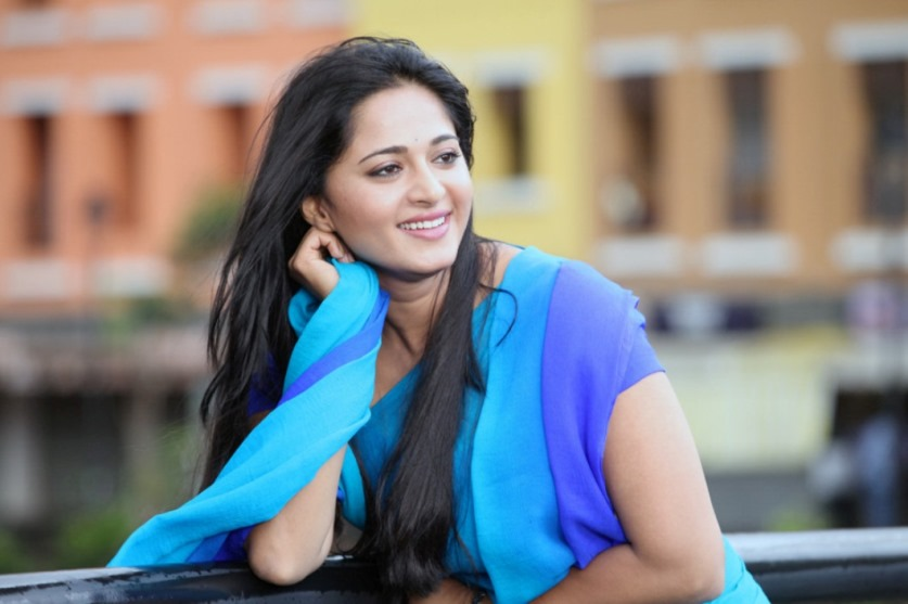 Anushka Shetty HD wallpaper for download