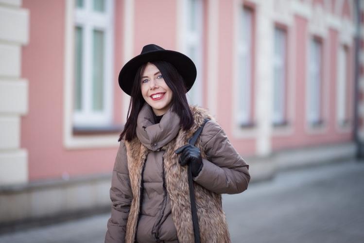 blogerka-radzi-jak-nosić-puchową-kurtkę