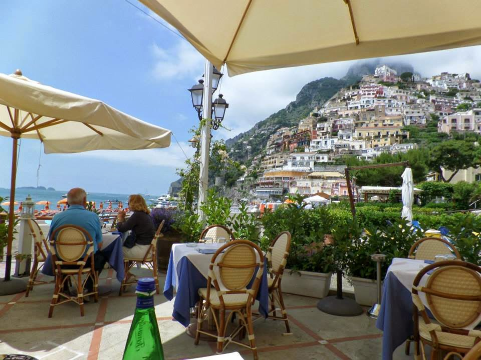 Trendy in Texas, Positano Italy, Positano, Italy, Lunch on the beach, Beach, Restaurant, Lunch, Mussels, Pasta