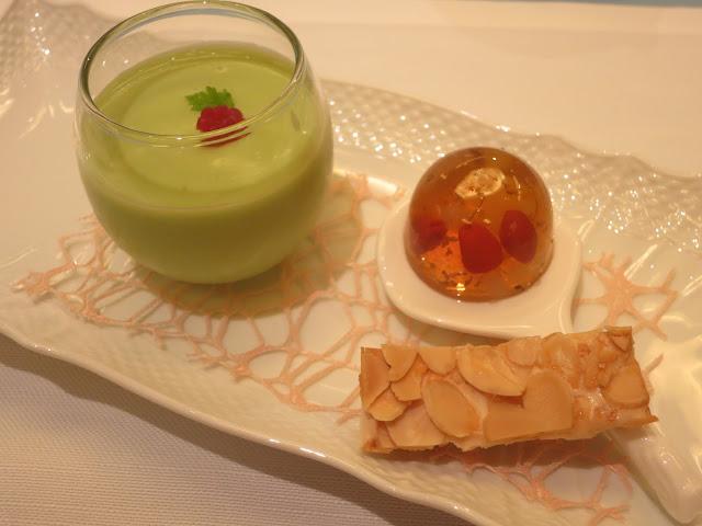 鳄梨布丁、桂花冻、杏仁酥