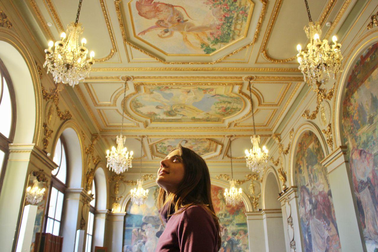Uma das salas magníficas de pinturas do Capitólio de Toulouse.