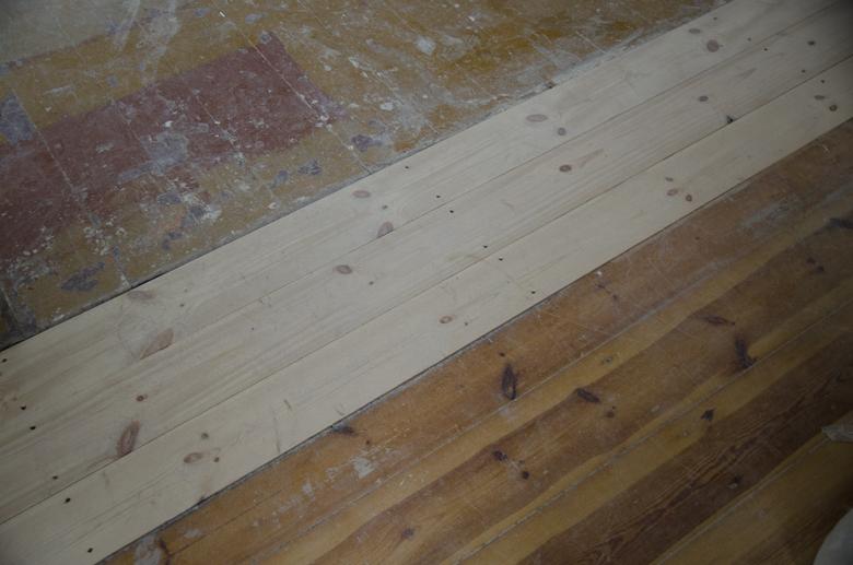stara i nowa podłoga sosnowa