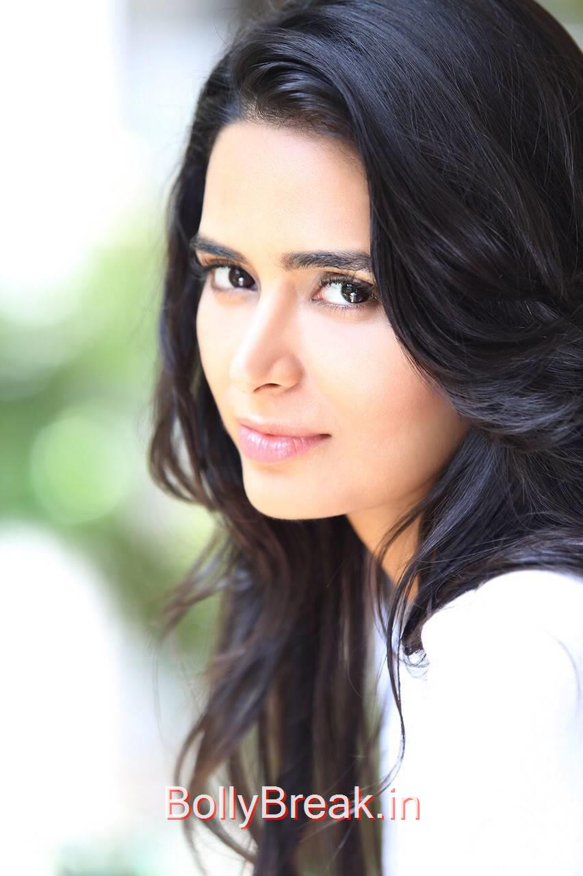 Meenakshi Dixit Photos, Meenakshi Dixit Hot HD Pics From Latest  Photoshoot
