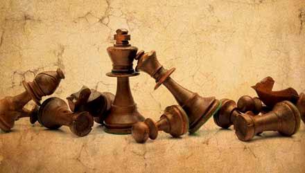 http://3.bp.blogspot.com/-XiWn0ckWNHY/UknBP_IzLgI/AAAAAAAAHK4/-PkhhugHFJM/s1600/sm-chess-game-bernard-jaubert.jpg