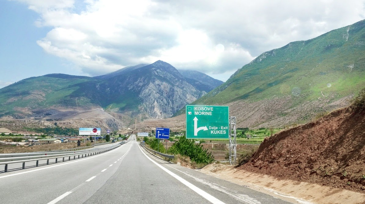 Tie Kosovoon