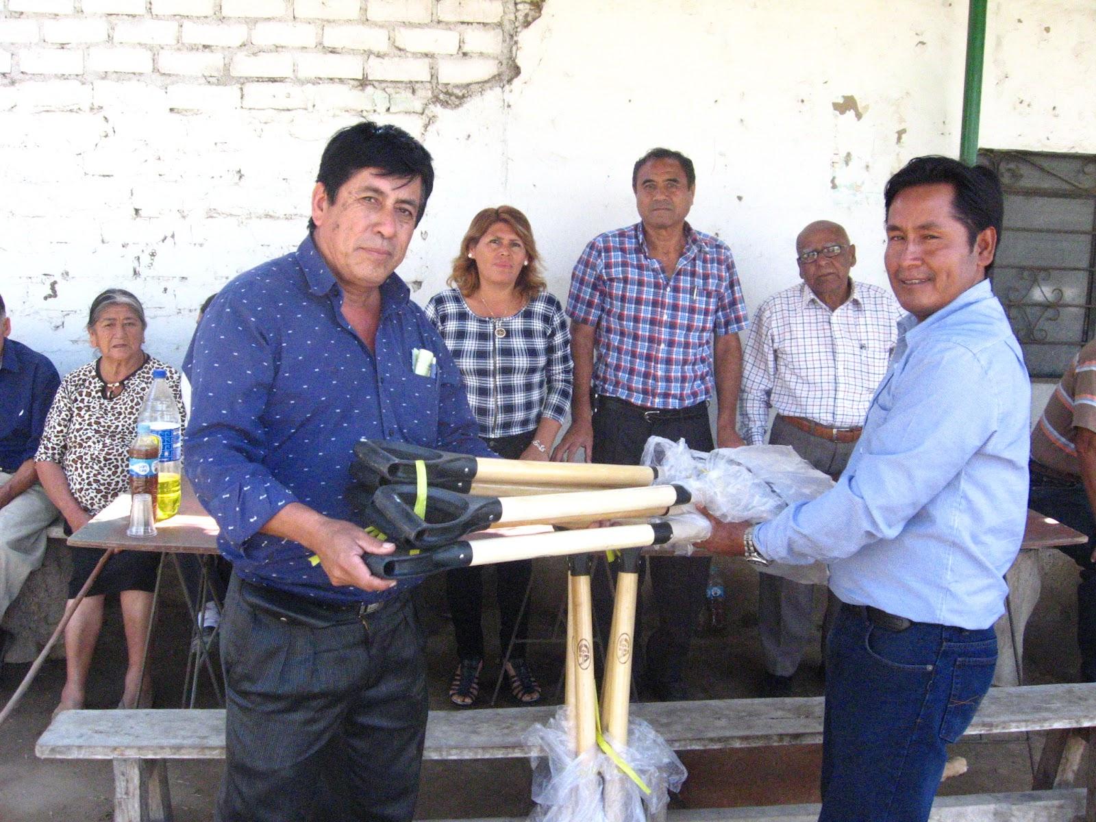Distrito de Laredo: Donan palanas en día del campesino