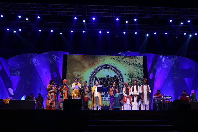 Kavita Krishnamurthy, Talat Aziz, Suresh Wadkar and others performing at the festival