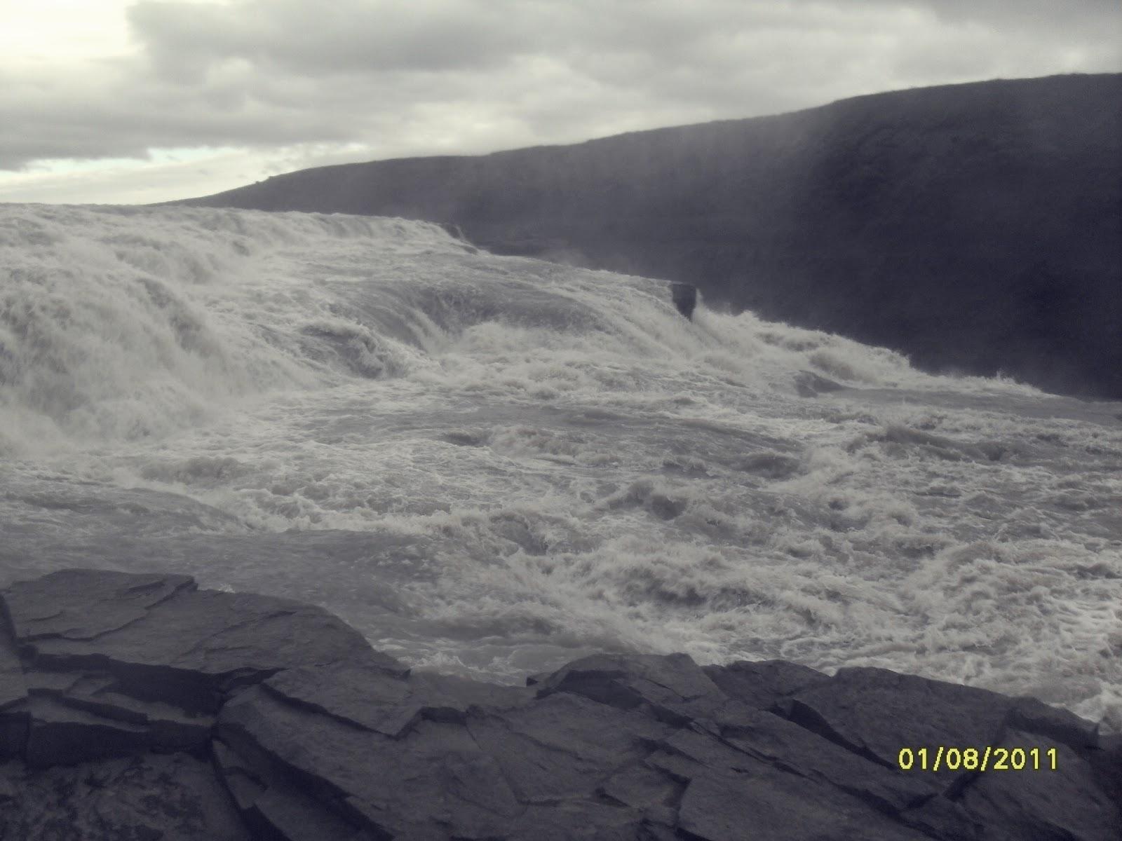 wodospad Gullfoss z bliska, Gulfoss, islandzki wodospad, południowa Islandia, atrakcje Islandii, golden circle