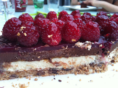 "alt=""entremet chocolats framboises"""