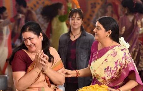 Magalir Mattum Trailer Review | Jyothika, Urvashi, Bhanupriya, Nasser | 2017
