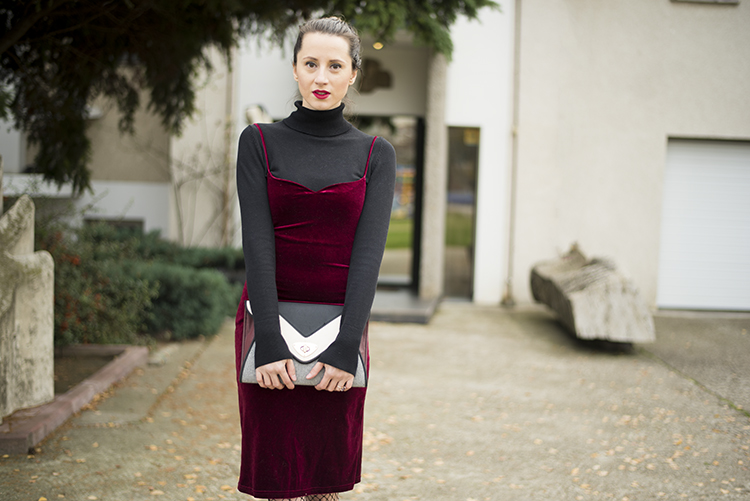 Velvet dress: where to buy and what to wear