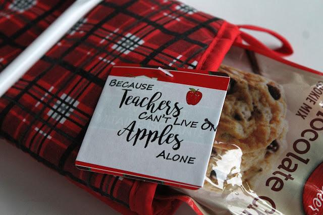 Printable Teacher Christmas Gift Tags GYCT