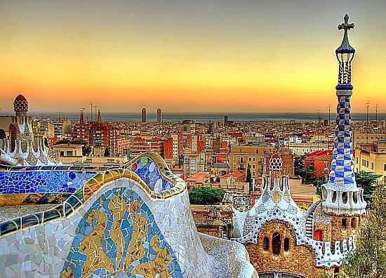 Vous n'avez toujours pas visité Barcelone ? C'est le temps! Park-guell-view-barcelona