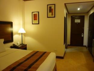 Plush Airport Hotel Doha