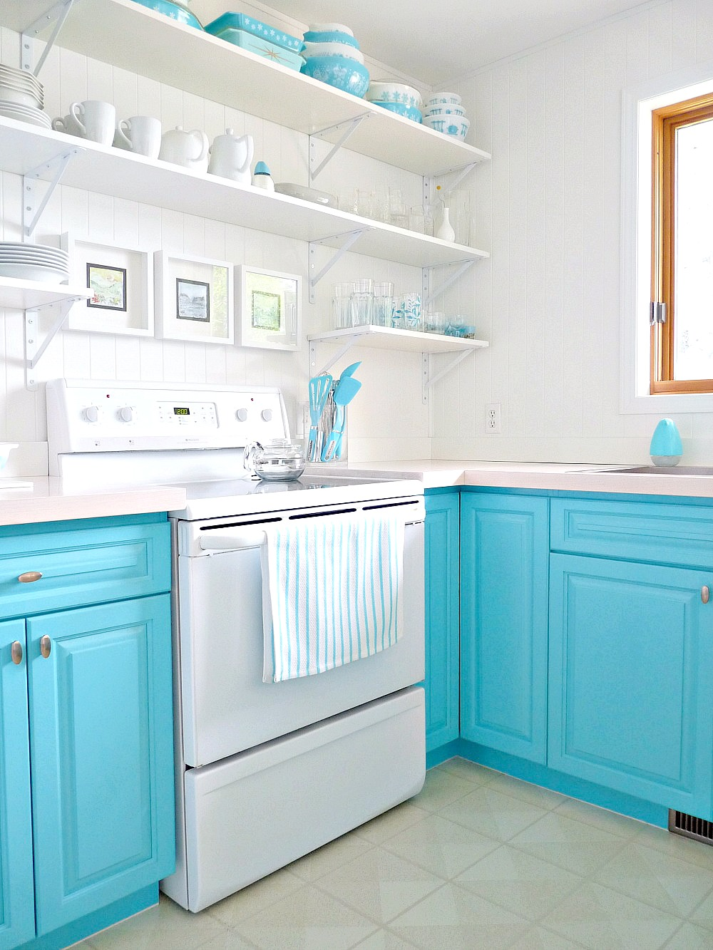 A Budget-Friendly Kitchen Makeover with Turquoise Cabinets ...