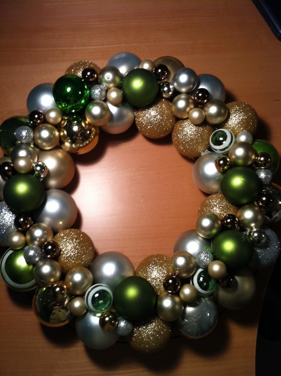 Shatterproof Christmas Ball Ornament Wreath by Jessica ...  |Christmas Ball Wreath