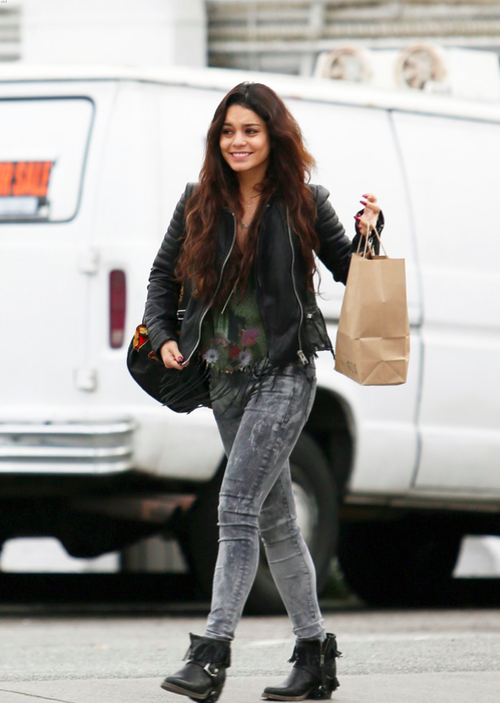 See pictures and shop the latest fashion and style trends of Vanessa Hudgens, including Vanessa Hudgens wearing and more.