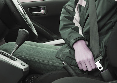 Sabuk pengaman, Asuransi mobil