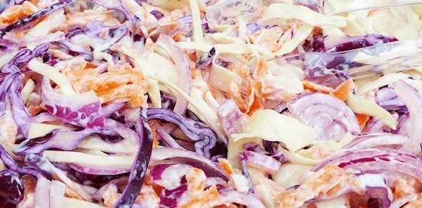 preparare reteta salata de varza rosie si varza alba cu sirop de artar