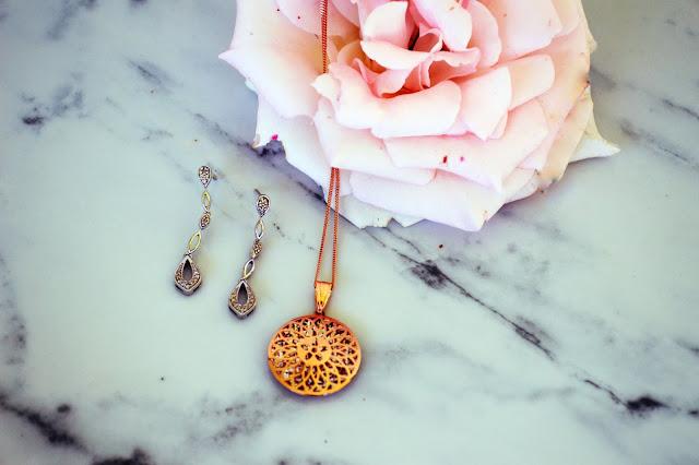 marble jewellery flatlay