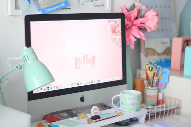 maituins-deco-despacho-escritorio-imac-flores-lampara_mint