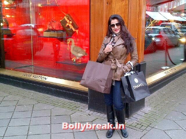 Ameesha Patel, Pictures of Bollywood Stars from Holidays - Parineeti, Sonakshi, Gauahar