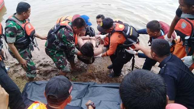 http://www.mejapoker88.info/2018/06/suhu-air-danau-toba-di-kedalaman-450.html