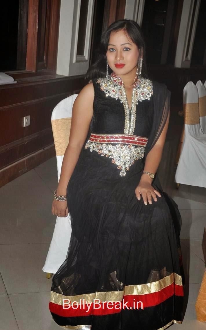Sneha Photo Gallery, Actress Sneha Hot pics In Black Shalwar Kameez