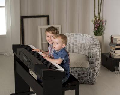 mua dan piano dien nao voi 10 trieu dong