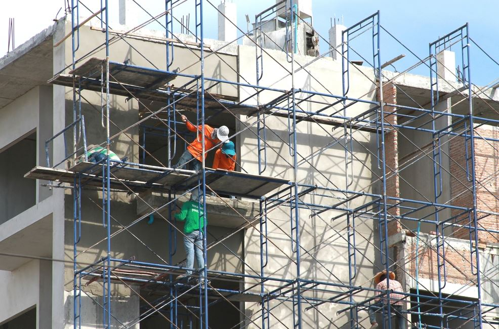 Use Scaffolding Rather Than Using Ladder To Feel Safe And