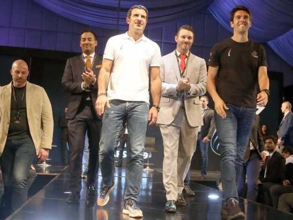 Luis Fago Will bring 10 big footballers to Pakistan in April,