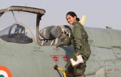 Perempuan India Pertama yang Terbangkan Pesawat Tempur