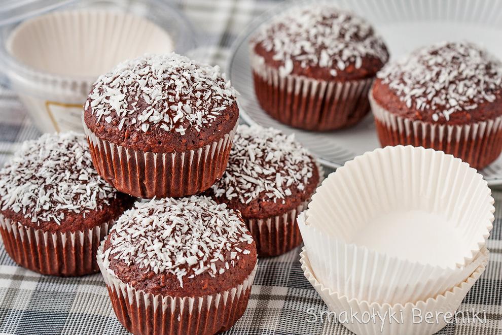Muffiny czekoladowe z wiórkami kokosowymi