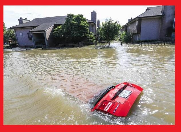 Bebê sobrevive a enchente no Texas agarrado ao corpo da mãe.