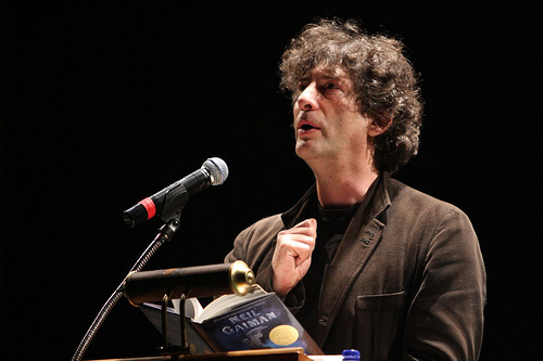 Neil Gaiman reading from his book - peoplewhowrite