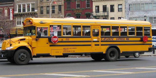 Pelajar Muslimah Ini Diusir Oleh Supir Bus Sekolah Karena Berjilbab, Begini Yang Terjadi Selanjutnya